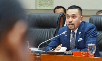 Menteri Kesehatan untuk segera memprioritaskan dan menjadwalkan vaksinisasi bagi TNI dan Polri setelah Tenaga Kesehatan.