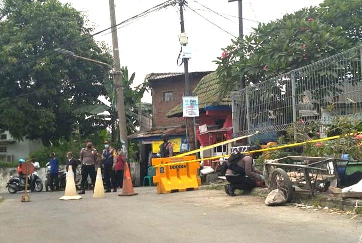 Warga Jalan Pakis Surabaya Digegerkan Oleh Penemuan Granat Aktif dan 3 Peluru Tajam