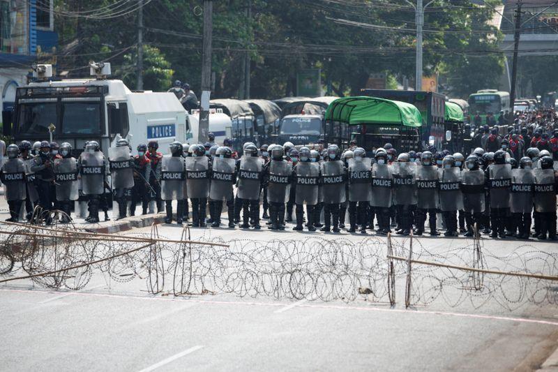 Demo di Myanmar Terus Berlanjut Walau Korban Berjatuhan