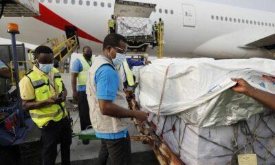 Ghana Yang Pertama Menerima Vaksin dari COVAX