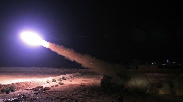 Roket Menghantam Pangkalan Militer AS Irak, 5 Terluka 1 Terbunuh