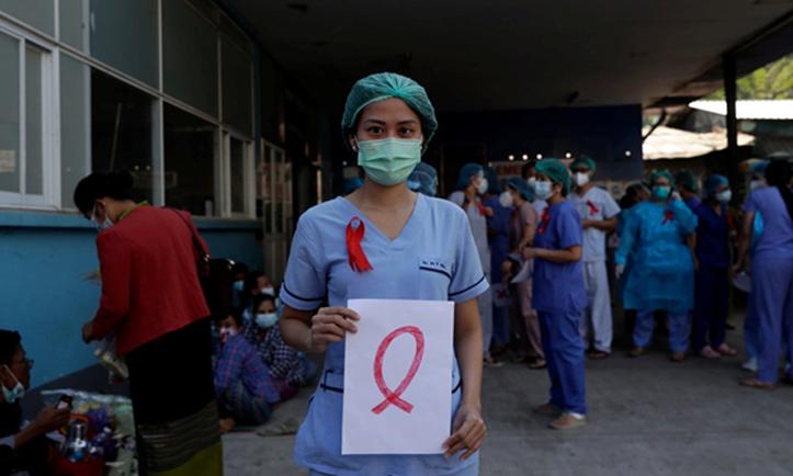Aung San Suu Kyi Terancam Dipenjara 2 Tahun, Pekerja Kesehatan Berunjuk Rasa