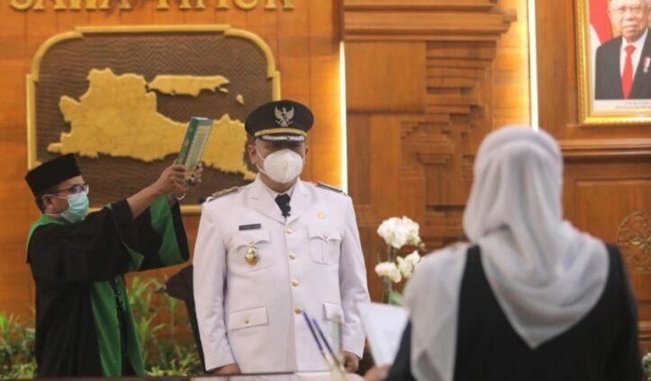 Whisnu Sakti Buana Resmi Dilantik Sebagai Wali Kota Surabaya Definitif