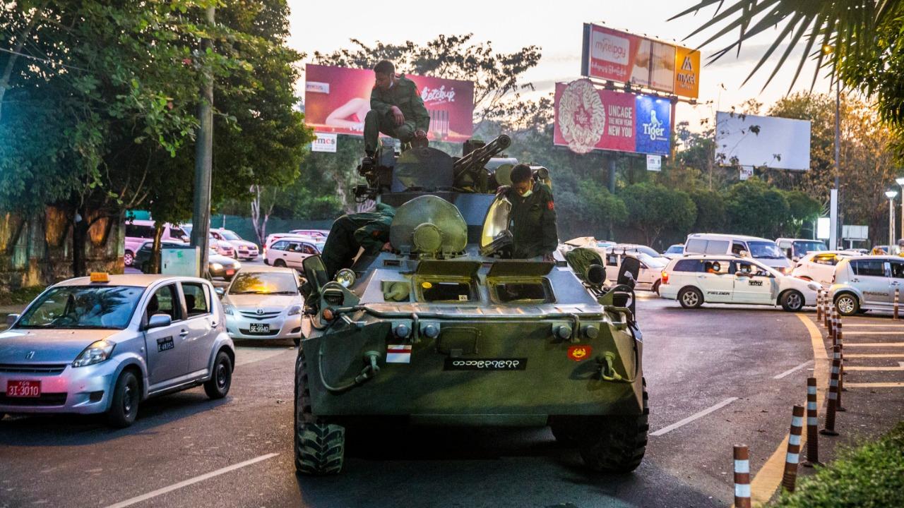 Amankan Unjuk Rasa, Militer Myanmar Gunakan Kendaraan Lapis Baja
