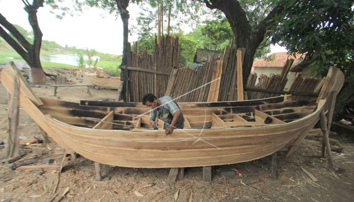 Pengrajin Perahu Gethek Tradisional Tetap Mendapatkan Order Saat Pandemi