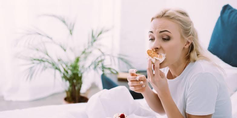 Stres Picu Emotional Eating, Atasi dengan Hal Ini