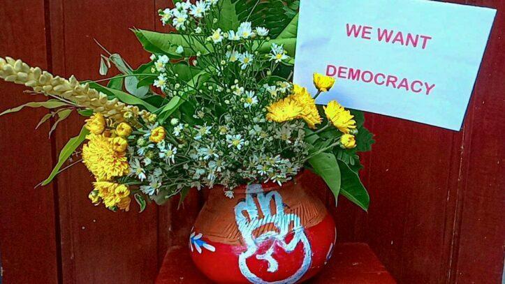Perayaan Thingyan Dibalut Dengan Simbol Perlawanan