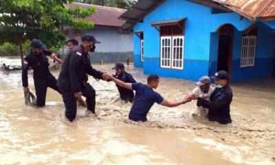 Polri Kirim 292 Personel Bantu Penanganan Banjir Bandang NTT
