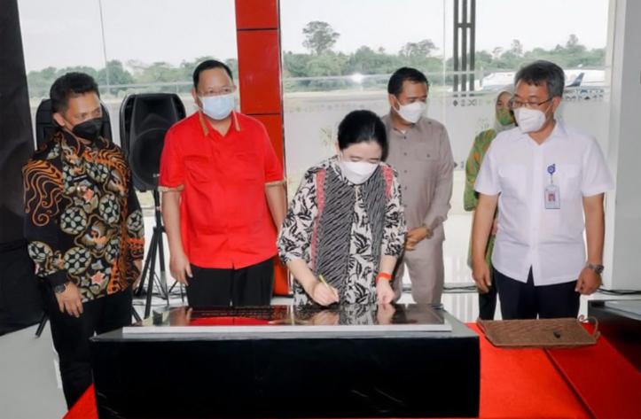 Puan Maharani Resmikan Bandara Muhammad Taufiq Kiemas dan Jalan Fatmawati Soekarno