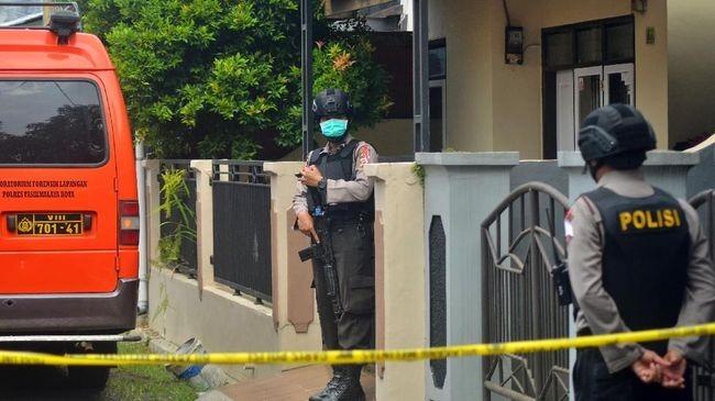 Densus 88 Berhasil Sergap Terduga Teroris di Pintu Tol Banyu Urip Surabaya