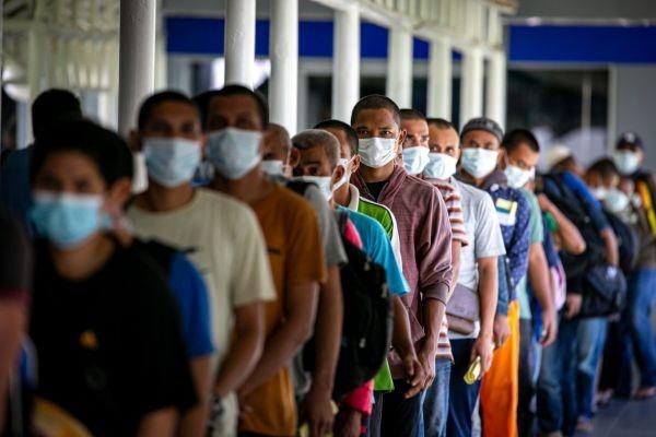 Disnakertrans Jatim Siapkan Karantina Bagi Pekerja Migran