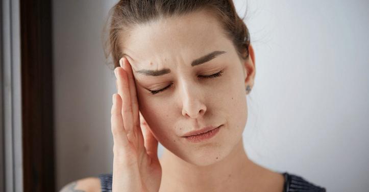 Gak Harus Batal Puasa, Ini Cara Alternatif Meredakan Sakit Kepala