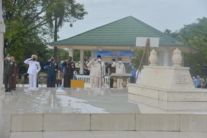 Pj Gubernur Kalsel Pimpin Ziarah di Makam Brigjend Hasan Basri