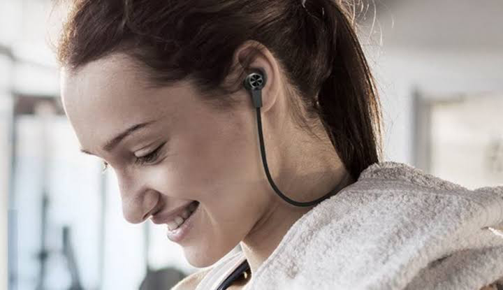 Cara Mencegah Gangguan Telinga Akibat Penggunaan Earphone
