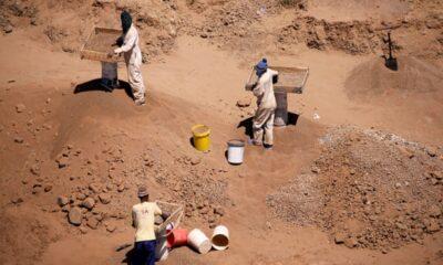 Kepolisian Afrika Selatan Temukan 20 Jenazah di Bekas Pertambangan Emas