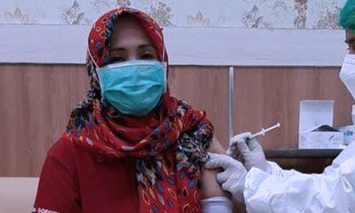 Secara Bertahap Ribuan Nakes di Lamongan Terima Vaksinasi Covid Ketiga