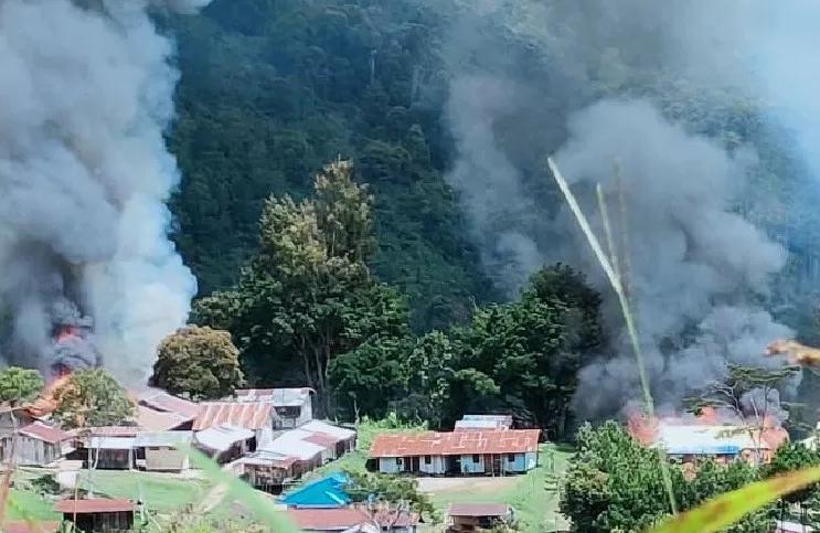 KKB Lamek Tablo Bakar Fasilitas Umum di Kiwirok, Papua
