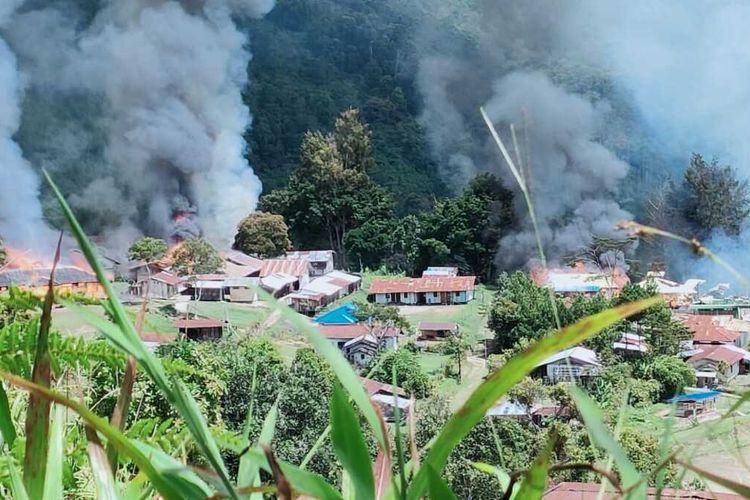 TNI-Polri Tembak Mati Komandan Operasi KKB Pimpinan Lamek Taplo