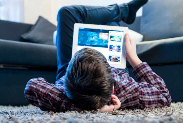 Kominfo Blokir Iklan LGBT di Konten YouTube Anak-Anak