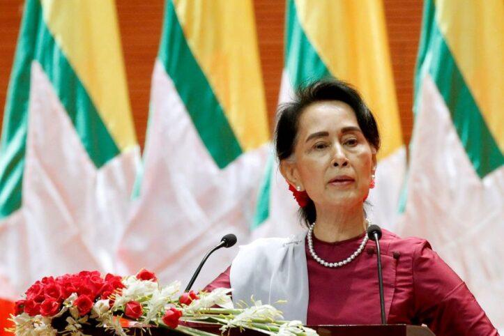 Suu Kyi Hadir ke Persidangan dengan Kondisi Sakit