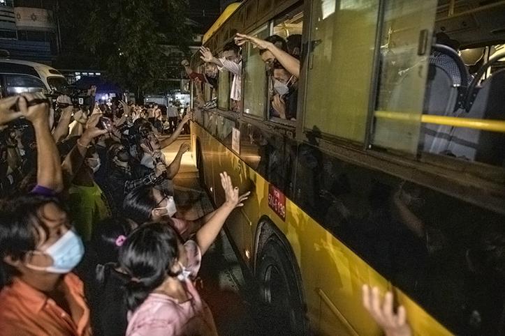 KTT ASEAN Tak Mengundang, Junta Myanmar Bebaskan Ribuan Tahanan Politik